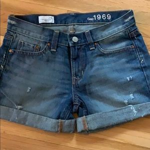 Gap 1969 denim shorts